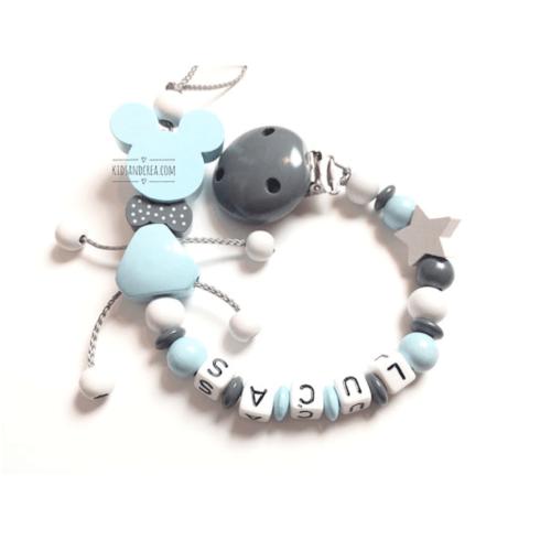 Attache-tetine-personnalisee-bois-gris-bleu-blanc-G08